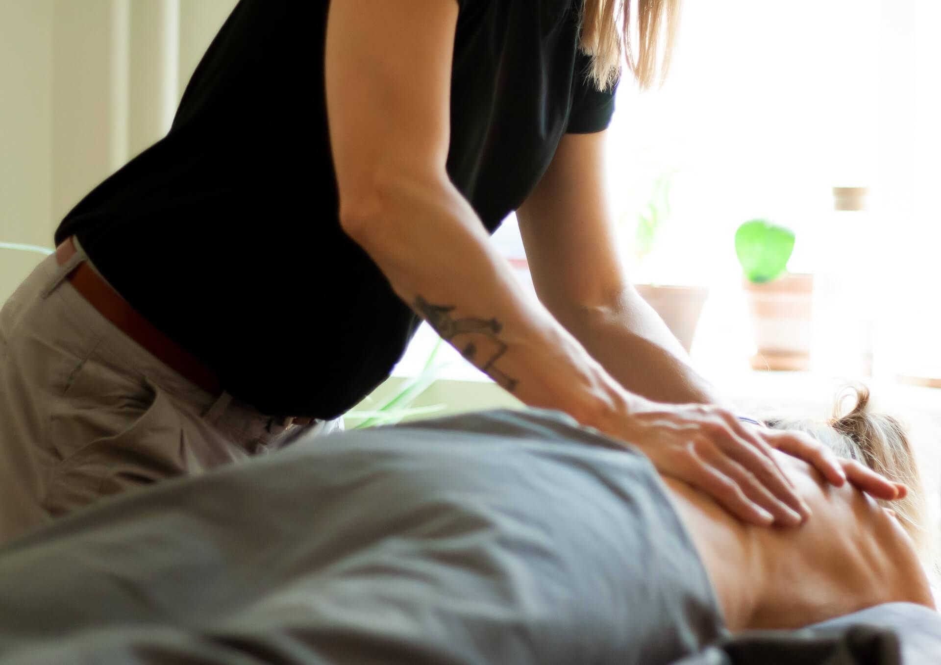 En grundläggande massagekurs på Bodywork i Malmö
